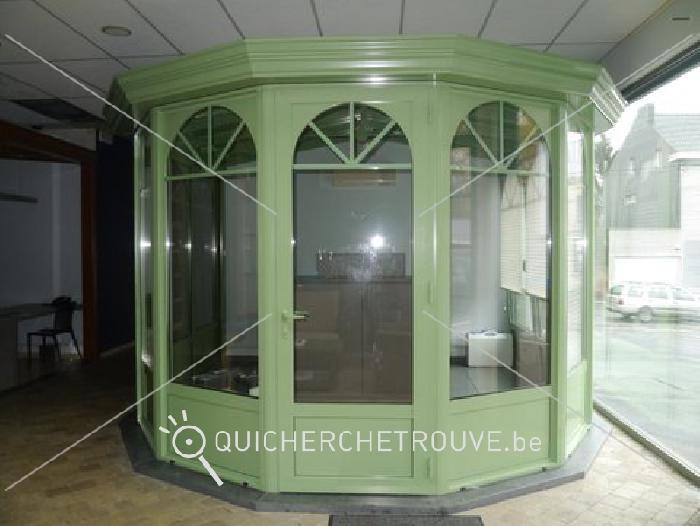 a vendre v randa d exposition hexagonale petites annonces maison d corations belgique. Black Bedroom Furniture Sets. Home Design Ideas