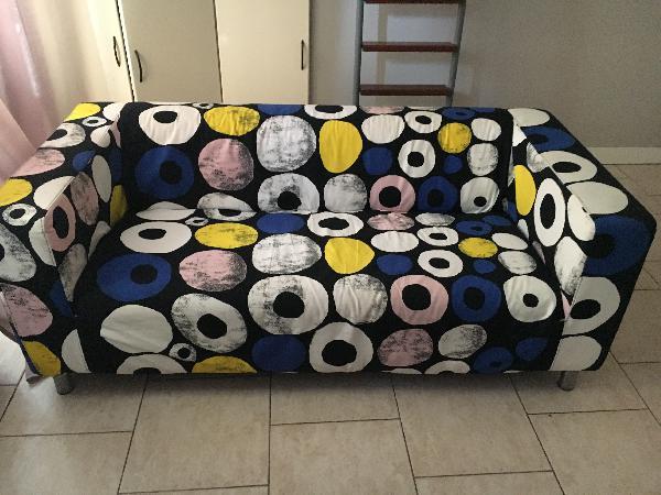 a vendre canap 3 place neuf ikea petites annonces belgique. Black Bedroom Furniture Sets. Home Design Ideas