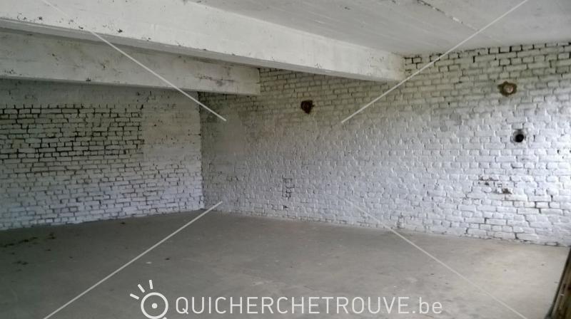 a louer local dep t garde meuble petites annonces belgique. Black Bedroom Furniture Sets. Home Design Ideas